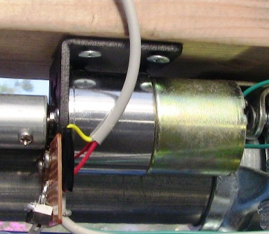 『 【arduino】自作温室の温度を調整する 』 温室,温度管理,自動,..ここでモーターブラケットに取り付けたスイッチの出番です。..
