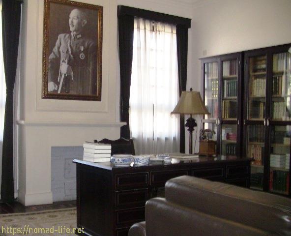 『 【龍門石窟】地図と行き方-ツアーのガイドと間違えられる(^^; 』 ..こちらは執務室です。..