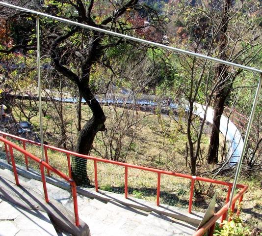 『 【慕田峪長城】スライダーが最高!バスと行き方のまとめ 』 ..つかの間のタイムスリップでした。スライダーが見えますね。..