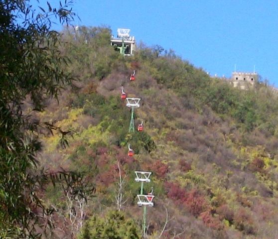『 【慕田峪長城】スライダーが最高!バスと行き方のまとめ 』 ..いいのでしょうか?迷うところですよね。小さい子供のいる家族なら、安全優先でロープウエイでしょうね。..