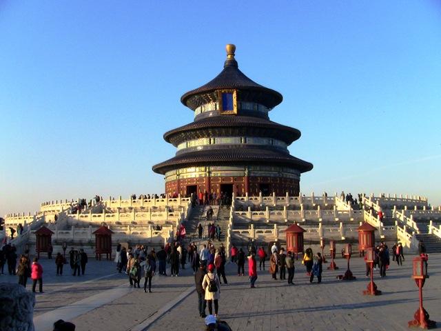 『 北京のパワースポット皇帝が天に祈りを奉げた天壇・入場料と行き方 』 ..紫禁城、天安門と並んで北京のシンボル祈年殿です。..