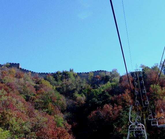 『 【慕田峪長城】スライダーが最高!バスと行き方のまとめ 』 ..でも慕田峪の風を感じながら景色を楽しむならリフトですね。カズも天気が良い初秋でしたのでリフトを選択しました。..