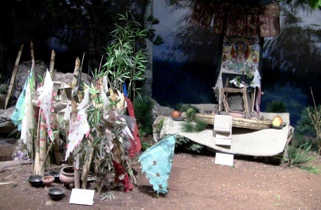 『 【麗江】黒龍澤公園(玉泉公園)で太極拳をマネてみた(^^; 』 ..その時の儀式のようです。..