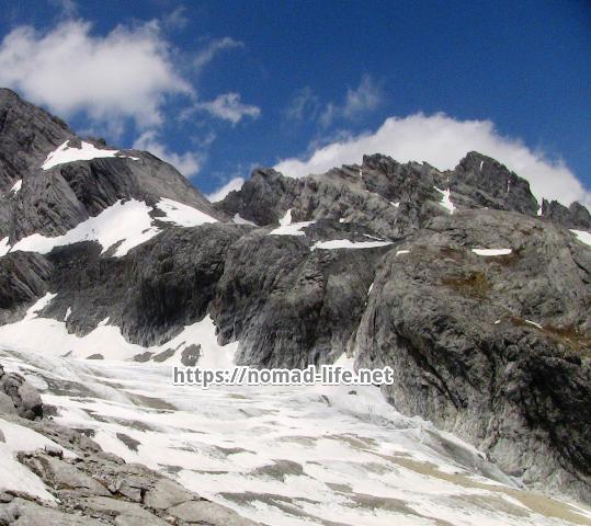 『 【玉龍雪山現地ツアー】富士山越えの絶景!高山病対策と行き方 』 ..万年氷河です。..