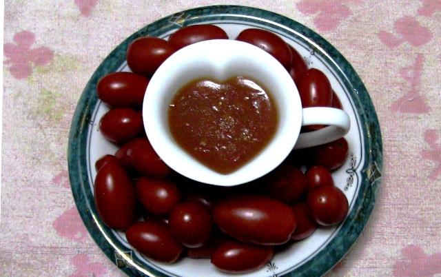 『 【アイコの栽培】ミニ トマト『アイコ』を種から育てる記録 』 について、種から育てた記録を書き記しています。..形が壊れたところで一旦火を止め、ゼラチンパウダーを振りかけよくかき混ぜます。ある程度冷えたところで、容器に入れ冷蔵庫で冷やして出来上がりです。..