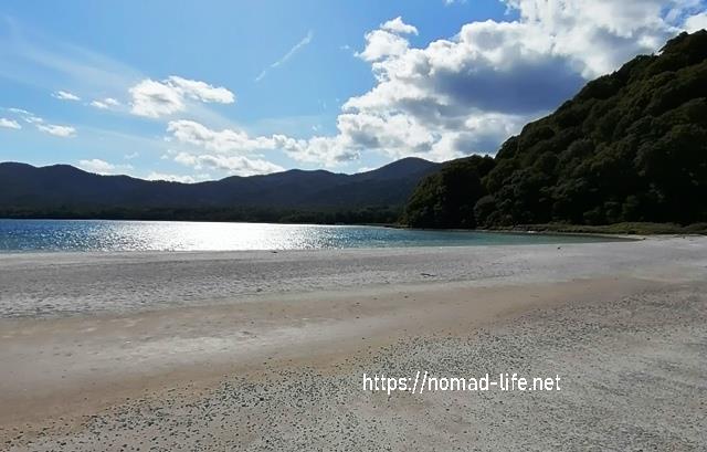『 【恐山イタコと温泉】世にも奇妙なパワースポット 』 ..極楽浜まるで南の島のリゾートを思わせる美しい白浜です。..